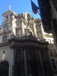 A spot of magic at the lights – San Carlo alle Quattro Fontane